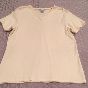 Ann Taylor V NecK knit Tee Shirt